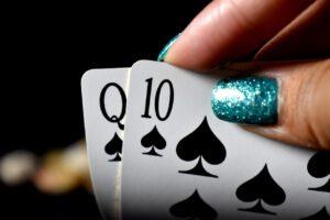 Nettikasinoilla pelaavista suomalaisista jopa kolmasosa on naisia